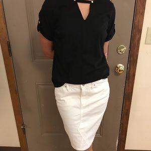 ⭐️4/$25 Universal Thread White Jean Skirt